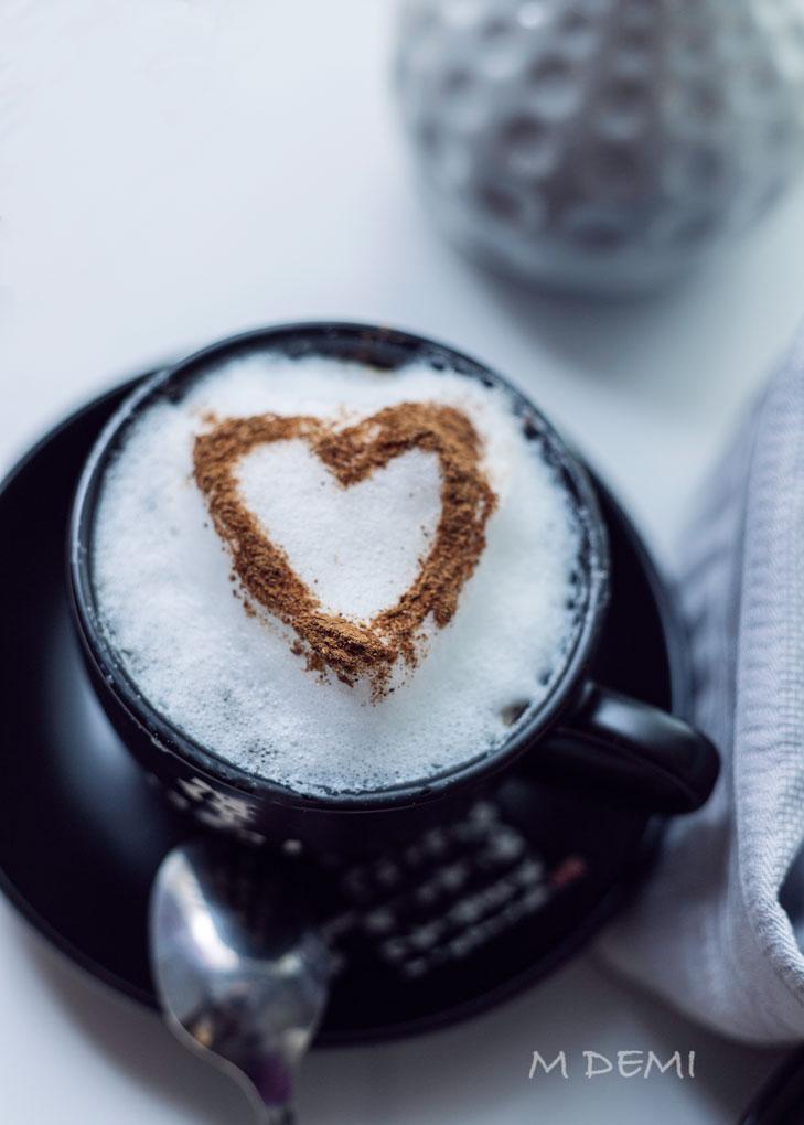 Café capuccino-corazón